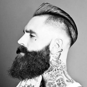Corto Bajo Con Barba