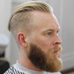 Hacia Atrás Corto Con Barba