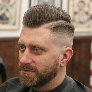 Peinados para hombres de lado con raya