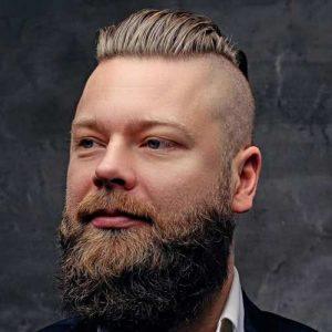 Laterales afeitado Con Pelo Grueso Y Barba