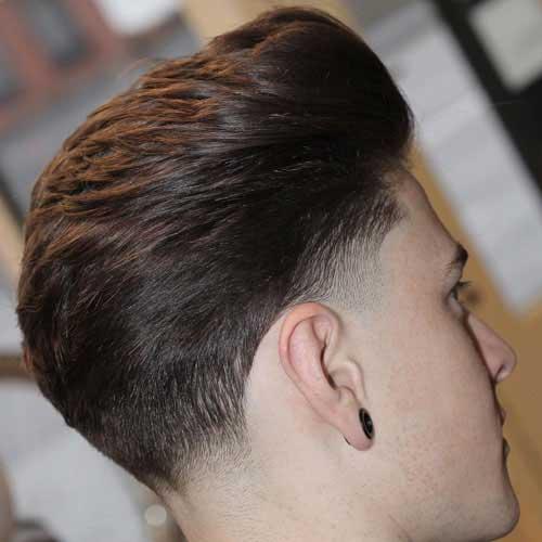 Peinado Cepillado Con Taper Clásico