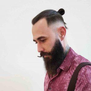Cortes de cabello hipster para hombre largo