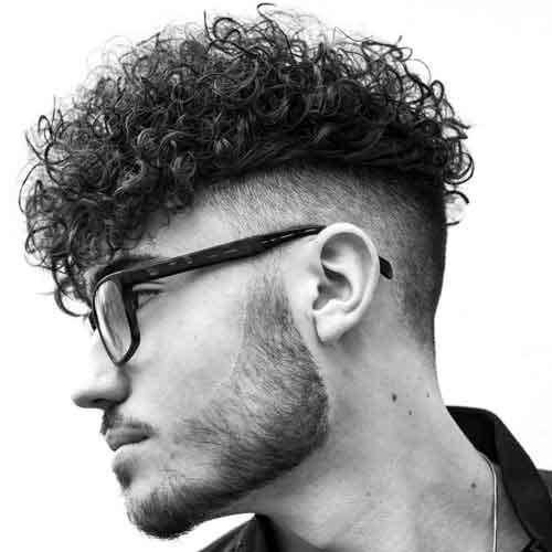 Pelo-rizado-con-flecos-y-barba