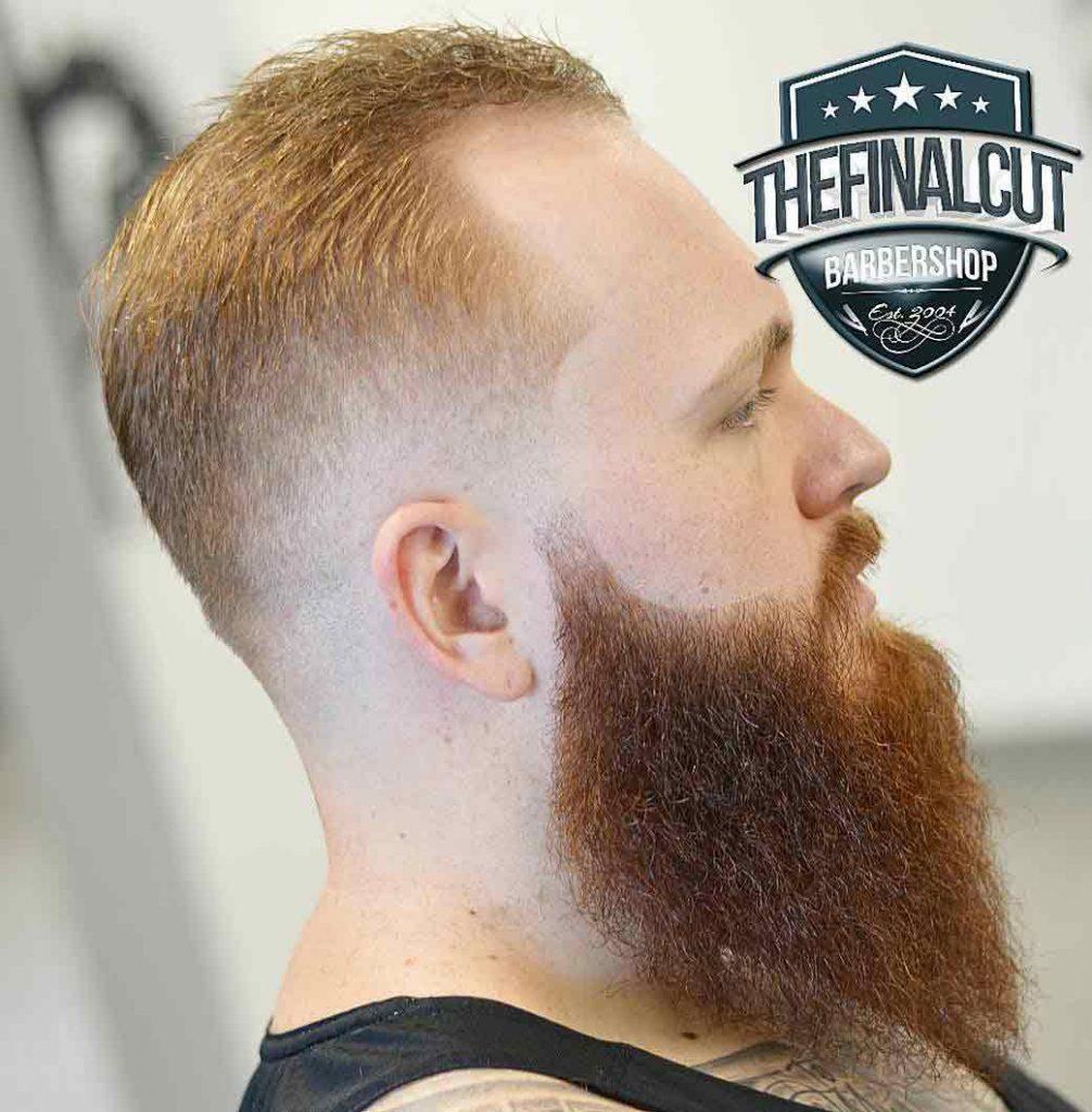 Corte-de-pelo-corto-con-barba-larga