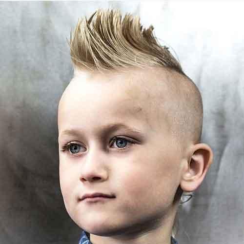 La-cresta-con-laterales-afeitados-para-niños