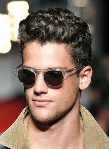 Peinados para cabello corto rizado hombres