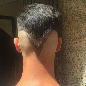 Peinado-corto-con-diseño-en-flechas