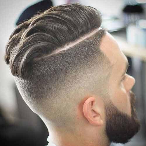 comb-over-pelo-hacia-un-lado-con-barba