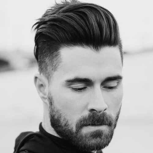 Barba-con-el-cabello-peinado-hacia-atras