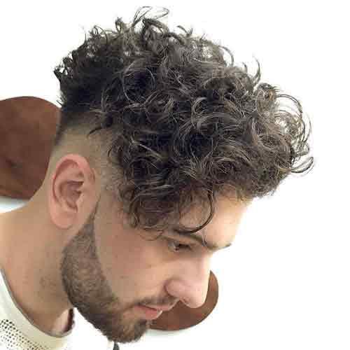 Corte de cabello hombre rizado