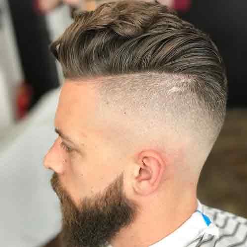 Undercut-degradado-con-pompadur-y-cabello-ondulado