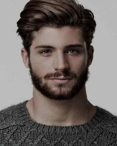 cabello-largo-arriba-corto-a-los-lados-de-los-hombres