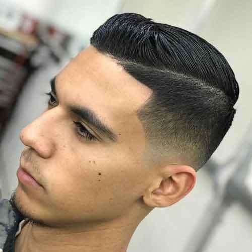 Peinado comb over con degradado bajo en forma