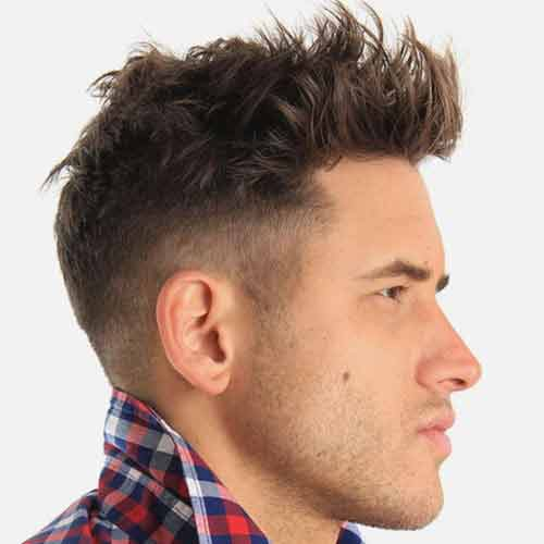 corte de pelo quiff moderno en top con high fade