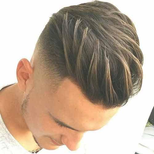 high fade degradado alto con cabello hacia atras peinado