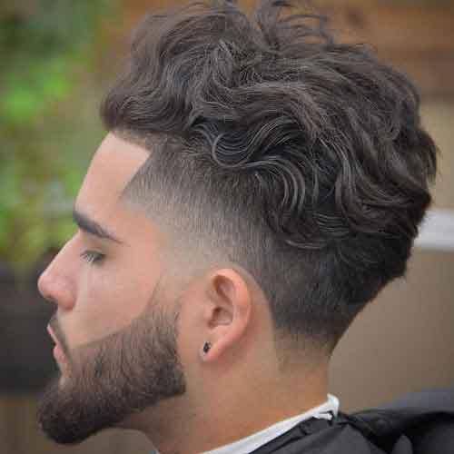 peinado-ondulado-con-high-skin-fade-en-forma-y-top-ondulado