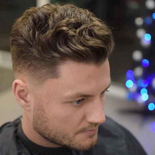 peinado-ondulado-para-hombre-con-low-skin-fade-y-hacia-atras