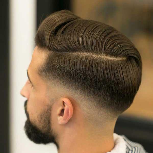 Comb over corto por encima con fundido bajo