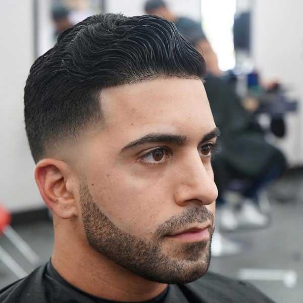 Corte de pelo bajo y ondulado con Cabello grueso y ondulado