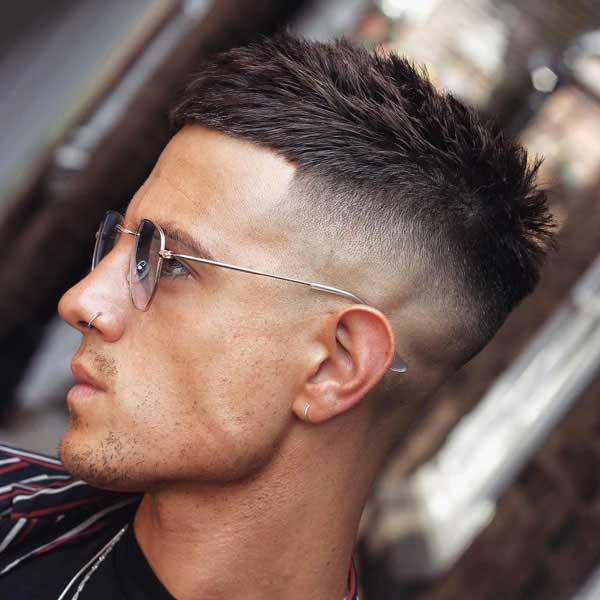 Corte de pelo corto y texturado