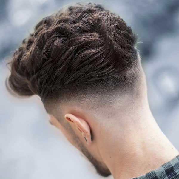 Moderno corte de pelo reventado con fundido medio