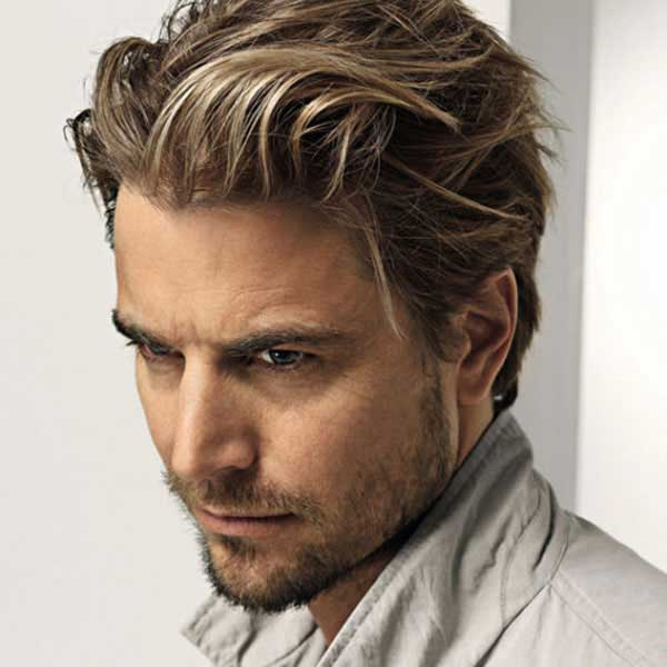 Peinado largo para hombres con barba