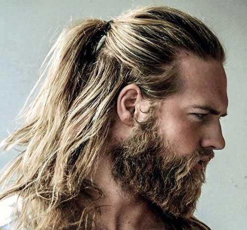Estilo bun y con barba