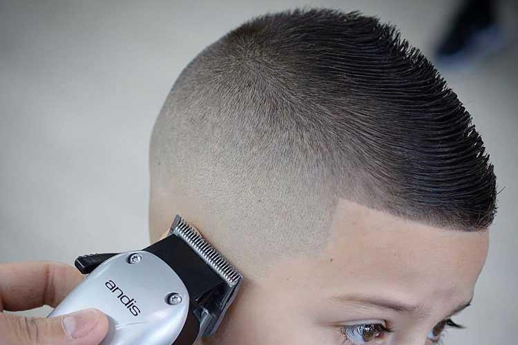 cortar el cabello de los niños