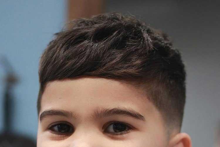 cortar en capas pelo de niños