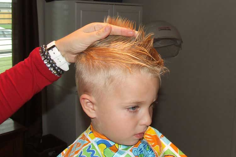hacer corte de cabello niños