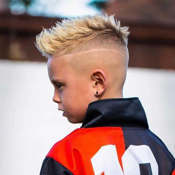 niños pelos con puntas