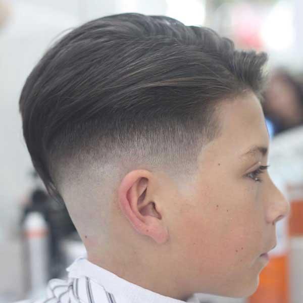 peinado con estilo y degradado para niños