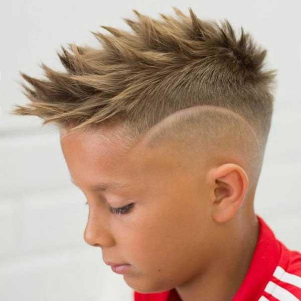 pelo en puntas niños