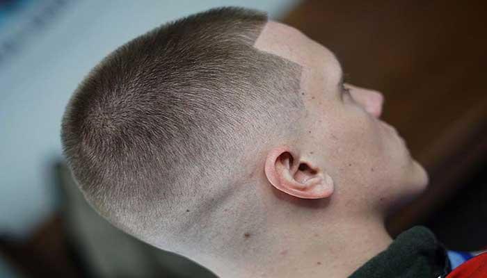 cortar la parte superior del cabello